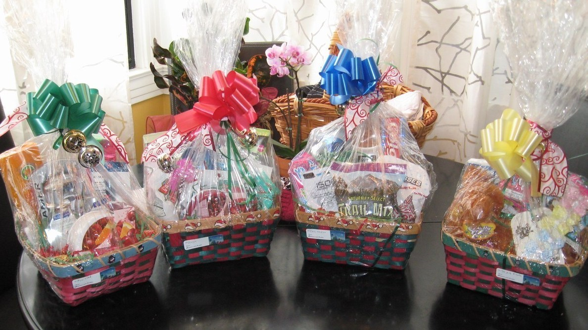 Very Homemade Gift Baskets Toys and Health/Beauty items ...